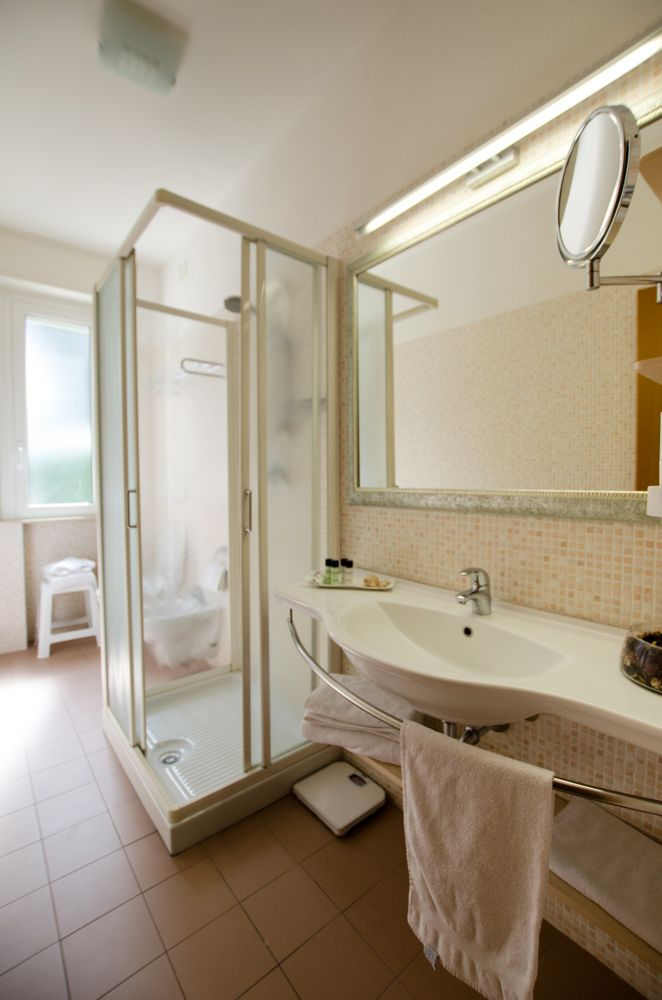 Hotel Concord 4 Star Hotel in Riccione | Deluxe Rooms | Modern and ...
