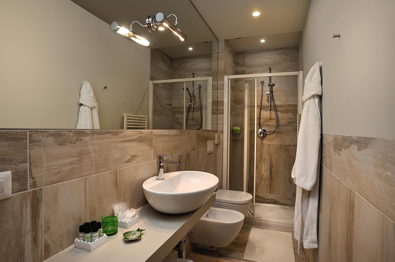 Bagno In Camera Design : Camera quadrupla deluxe bagno hotel concord